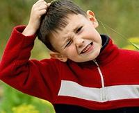 Перхоть у ребенка: нужно ли волноваться и обращаться к врачу?
