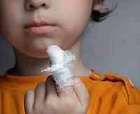 Панариций пальца на руке: лечение разных видов заболевания