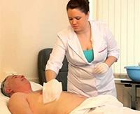 Какими эффективными средствами лучше всего лечить пролежни у лежачих больных?