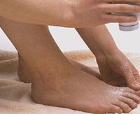 Почему на ногах возникает потница и как от нее избавиться?