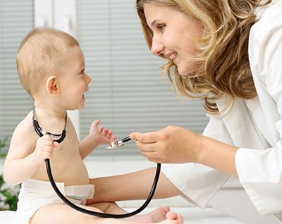 Потница у детей: как выглядит, симптомы и лечение потнички у ребенка