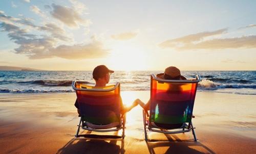 Длительное воздействие солнечных лучей - это одна из распространенных причин появления родинок