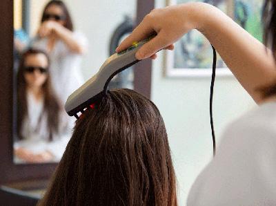 Физиотерапия – отличное средство для восстановления состояния волос в комплексной терапии. Улучшается кровообращение, волосы приобретают здоровый блеск и красоту. Может использоваться массаж, дарсонваль, мезотерапия, ультразвук, лазер.